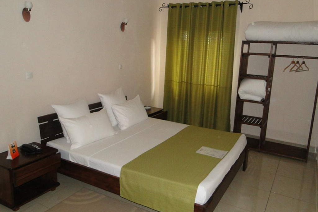 HOTEL H1 - 0